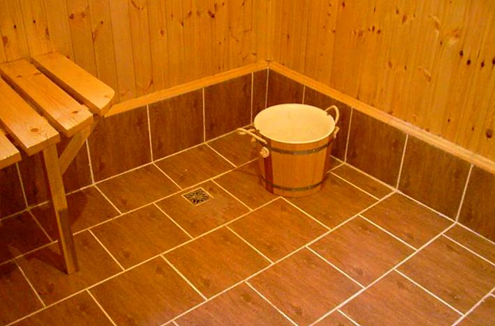 Пол из плитке в бане