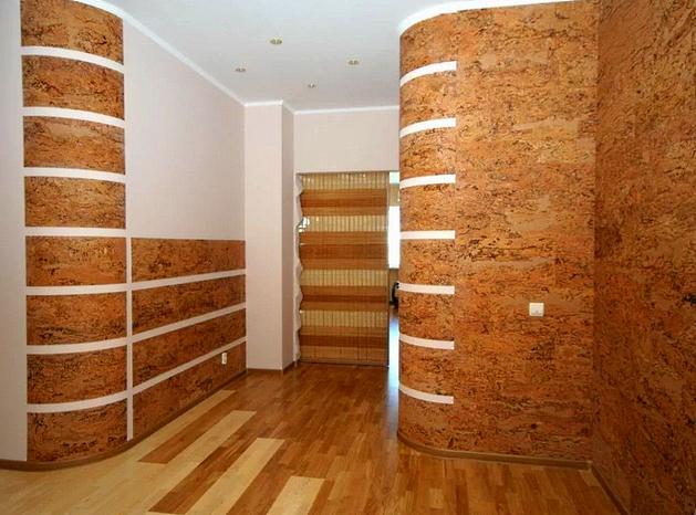 Отделака пробкой комнаты зал