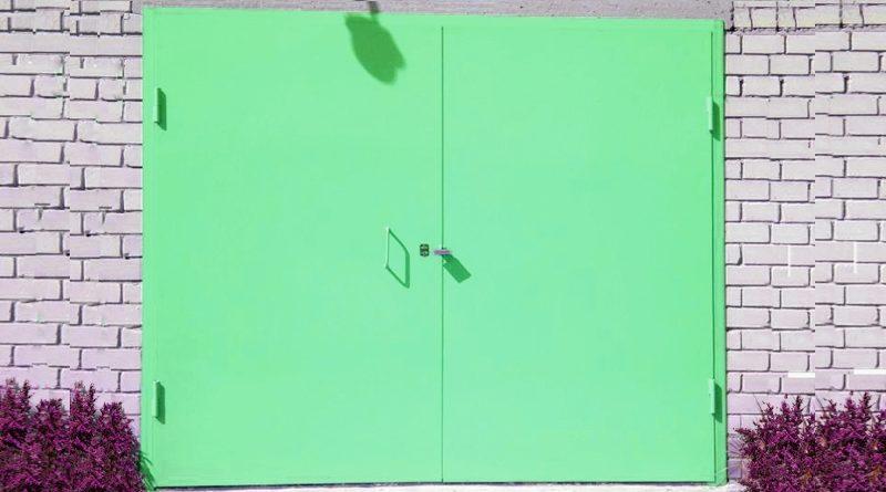 Как покрасить металлические ворота