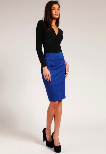 С чем носить юбку карандаш синюю