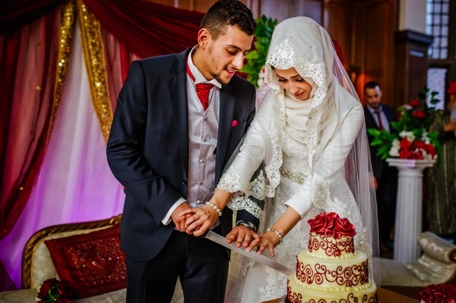 Свадьба у арабов, разрезание торта